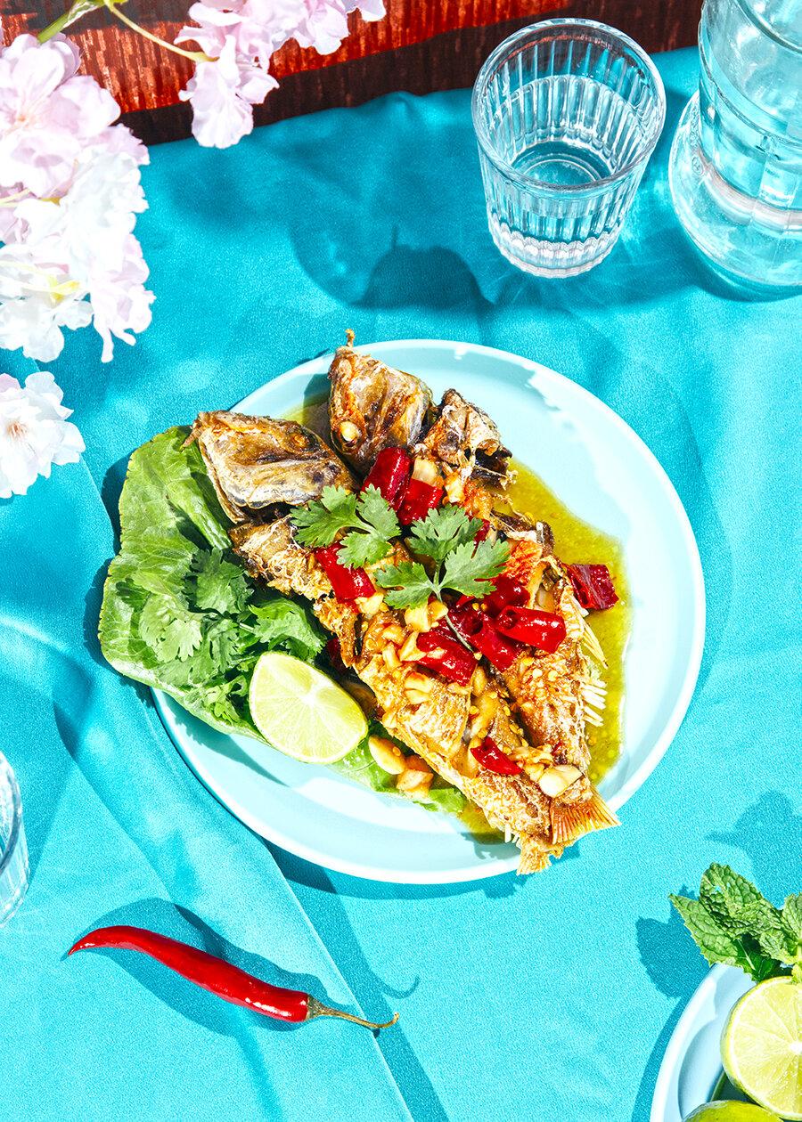 receta pescado frito tailandés
