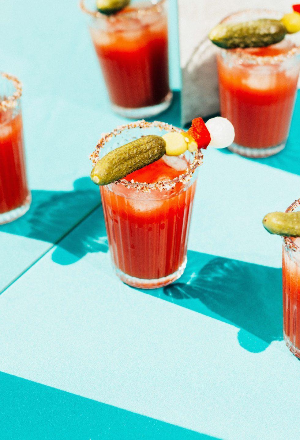 bloody mary con salsa sriracha