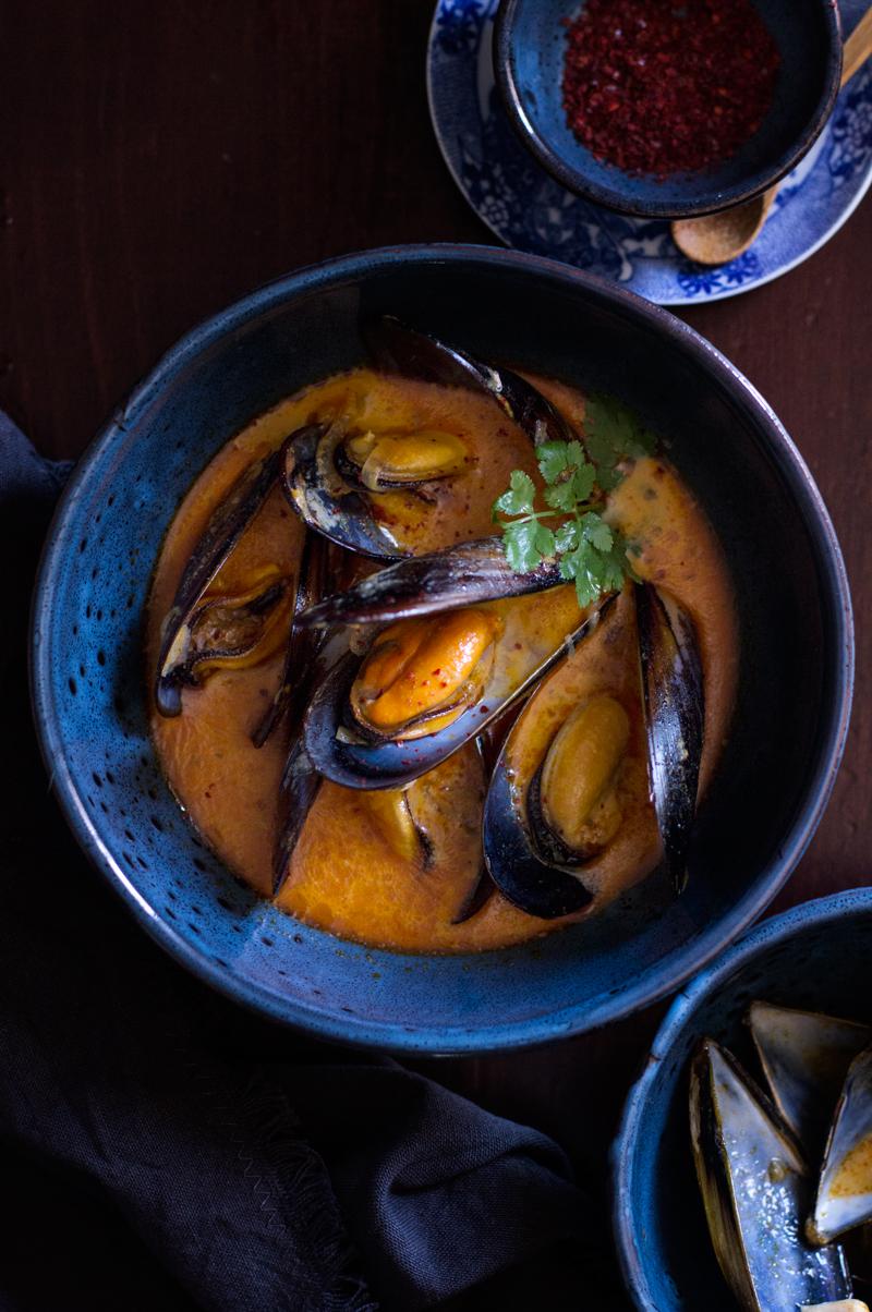 mejillones con curry rojo tailandés