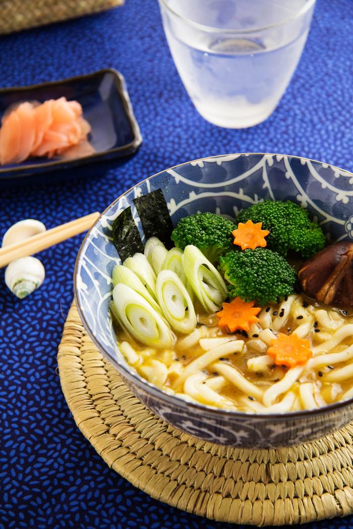 sopa de fideos udon con curry